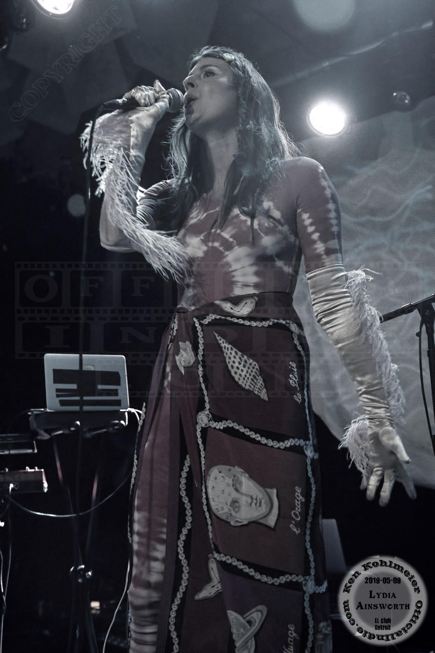 Lydia017
